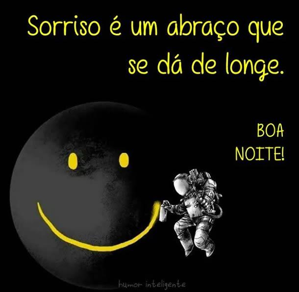 Boa Noite - Sorriso é um abraço que se dá de longe - Imagens para facebook